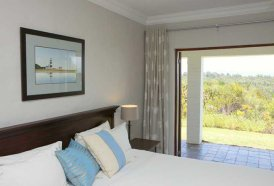 Plettenberg Self Catering Cottages - Aristea Cottage Bedroom