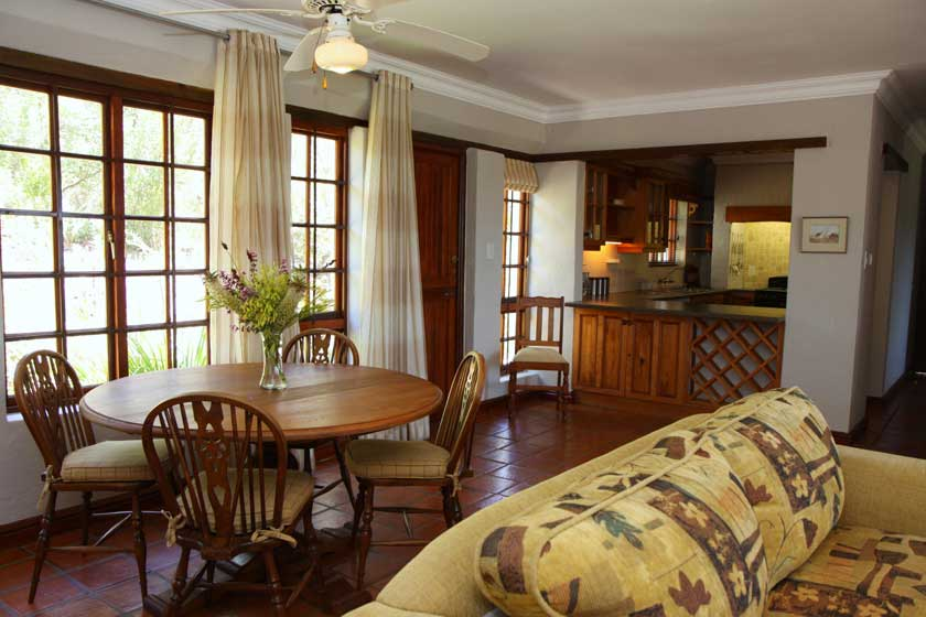 Plett Self Catering Accommodation - Gazania Cottage LoungeGazania Cottage Lounge