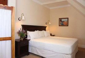 Plett Self Catering Accommodation - Virgilia Apartment Bedroom